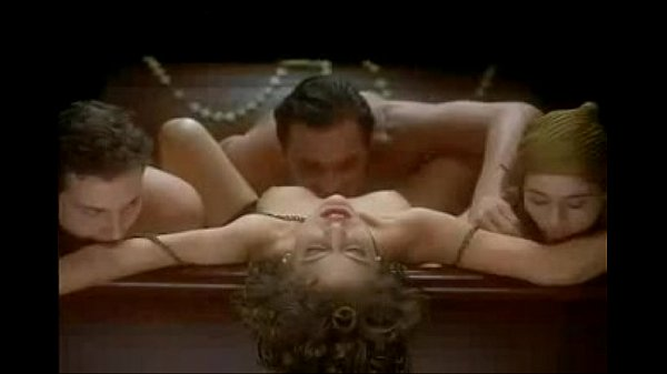 Vampire Threesome On Webcam - selfiepornography.com