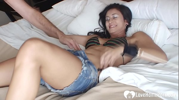 Girlfriend experiences some tickling while tied up