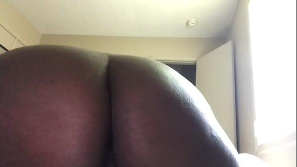 Домашнее видео или секс на стуле