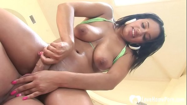 Horny babe on her knees sucks cock Thumb