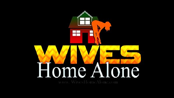 Голая жен одна дома