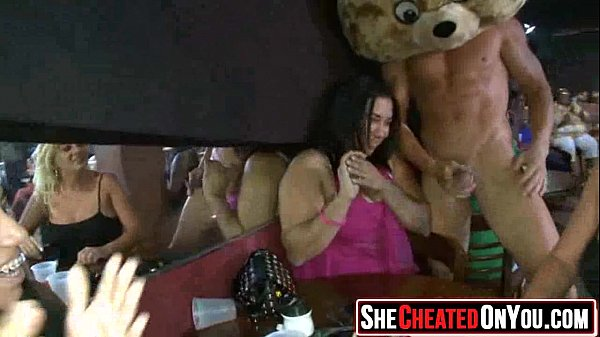 nude-cheerleader-famous-people-caught-fucking-tang-clan
