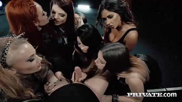 Six Hungry Mouths Suck on a Stallion