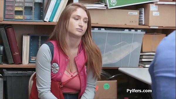 Порно уборщик бассейна