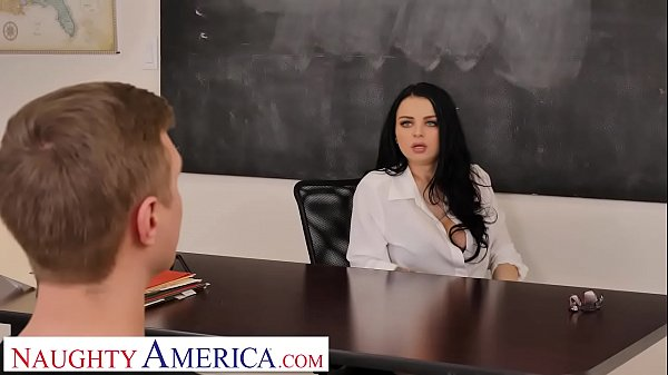 Naughty America Payton Preslee gets the D from her student Thumb
