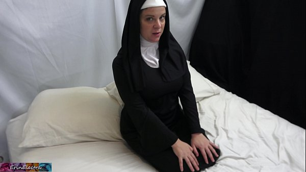 Horny nun gets it in the ass Thumb