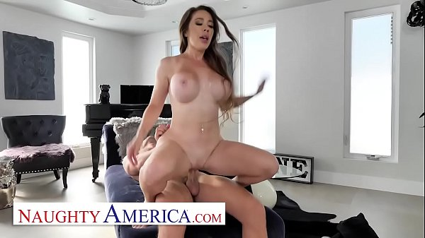 Naughty America - driver gets lucky with Bianca Burke Thumb