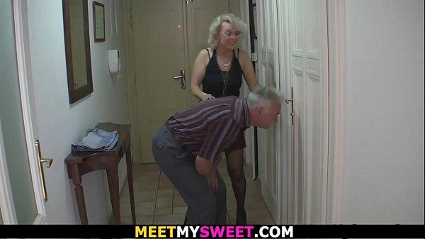 Порно скасивыми блондинками