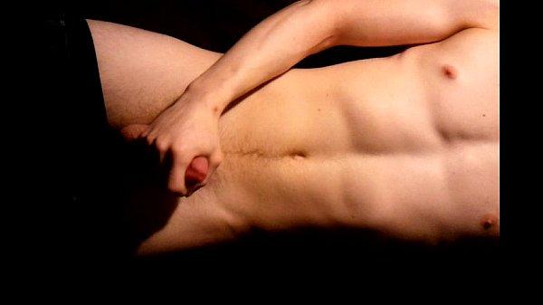 Мужчина кончает на полные груди служанки видео