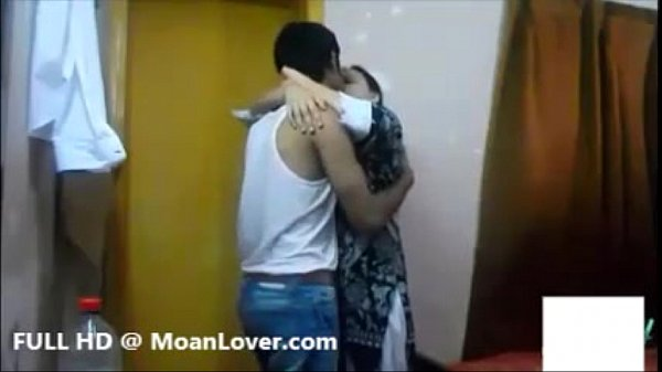 Sexy Indian Couple Hardcore Kissing Thumb
