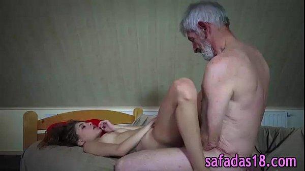 Novinha dando para avo tarado - xvideosbrasilxxx.com