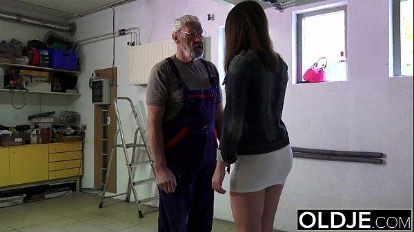 Old man fucks young girl his small cock fucks h...