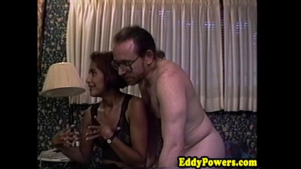 Vintage amateur fucked in first sextape Thumb
