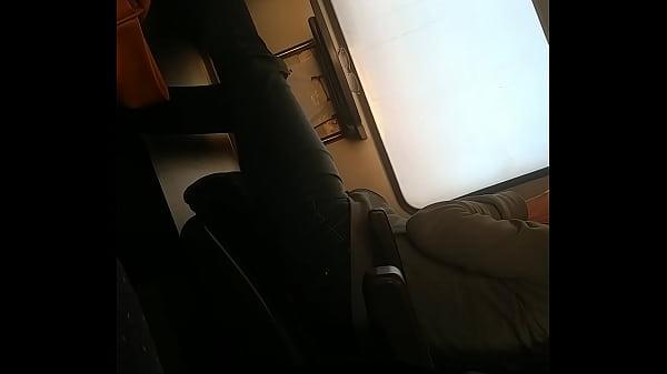 סרטון פורנו Foot teasing in the train