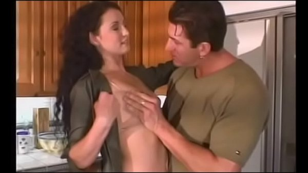 Guarda gratis porno in cucina moglie