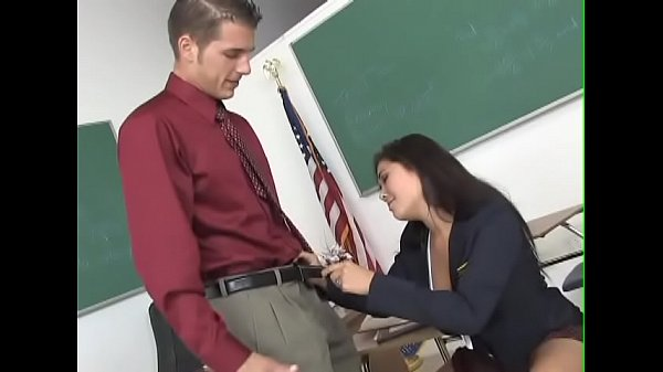Amazing London Keyes gets nailed in classroom