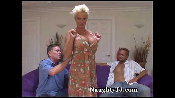 Порно ролик ебут толстым пенисом
