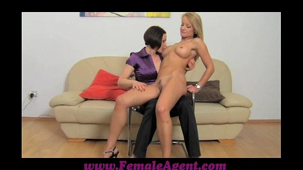 FemaleAgent Pole dancer learns new moves