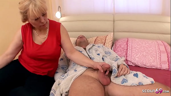 Curvy Mom wake up Step Son with BJ and get Roug...