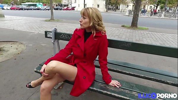 Naomi aime le sexe l'après-midi