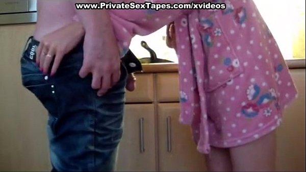 Видеокамера в женском унитазе видео