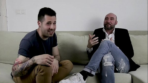 Talking to a porn actor and director about sex tricks and secrets Pablo Ferrari expert in anal sex | Link to YouTube in the video English subtitled on youtube Thumb