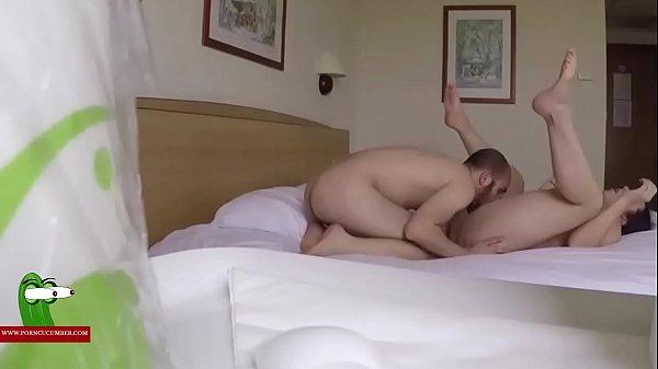 Hottie fucks on parents bed, indian sex in sari