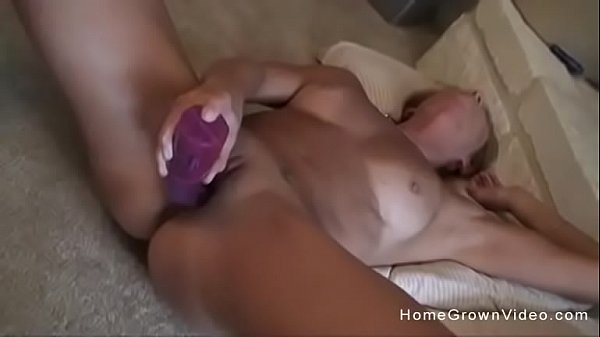 Stephanie Spreads And Wanks Off With A Dildo Thumb