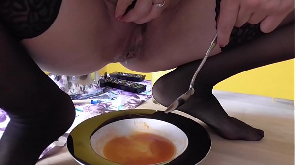 Femdom Brat Girls humiliate slaves with feeding