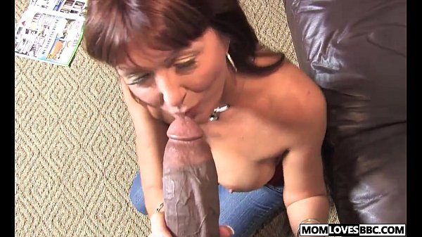 Son witness how mom Desi Foxx takes two BBCs Thumb