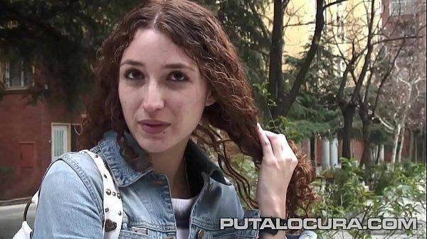 Marito ha portato la moglie a una folla di uomini porno