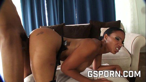 Sexy ebony milf search a big black cock to fuck hard