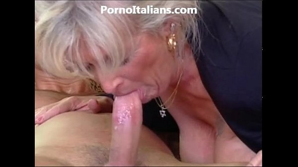 Video porno scopare mamma e nonna