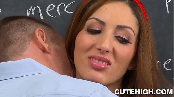 Attractive Vivie Delmonico Sucks Cock and Pussy Stuffed