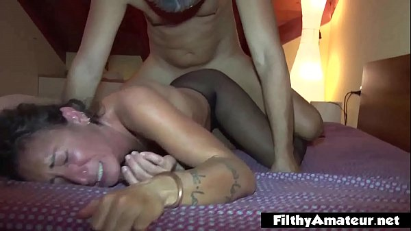 Anal lover eat the pussy hairy! Double Penetration passion for the milfs!
