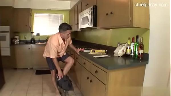 Видео как засунуть голову в пизду