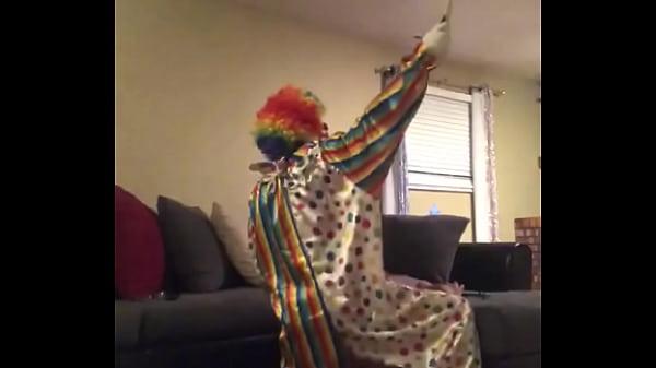 Clown fucks wife when husband leaves house Thumb