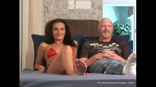 Sexy amateur couple fucking on homemade video Thumb