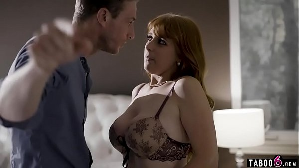 Cheating housewife Penny Pax gets caught inbetween Thumb