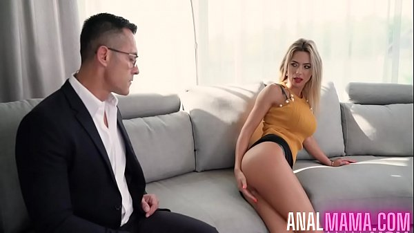 Hot Mom Shalina Devine Fucked The Debt Collector