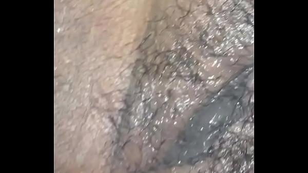 Мужика ебёт