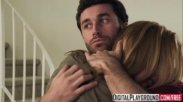 Hot blonde (Kayden Kross) fucks the pizza boy - Digital Playground Thumb