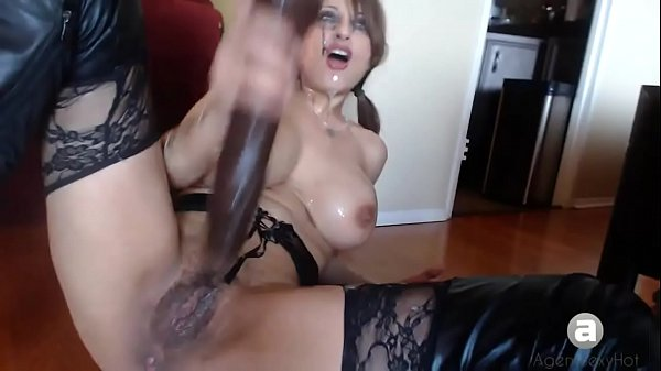 Extreme gag squirting slut Thumb