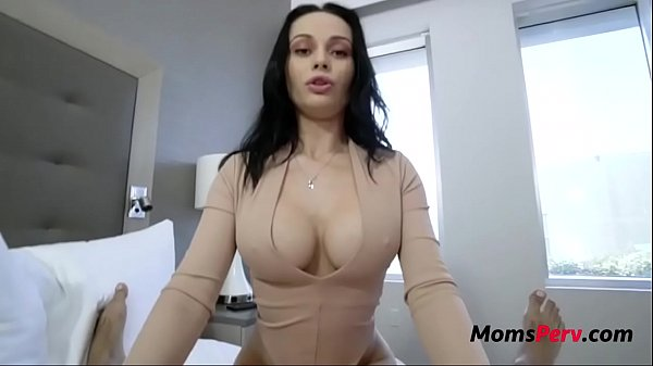 Sexy MOM travels- Crystal Rush