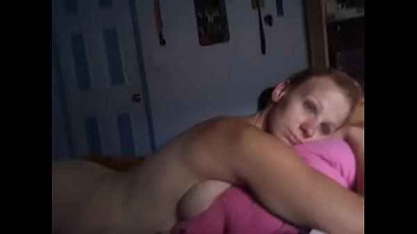 Русское порно девушка мастурбирует