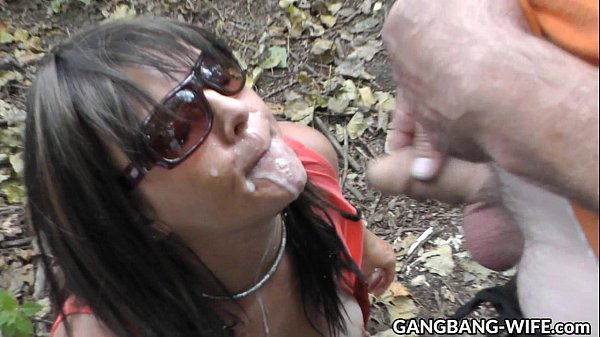 Wife swallows pee and cum from many guys at the highway