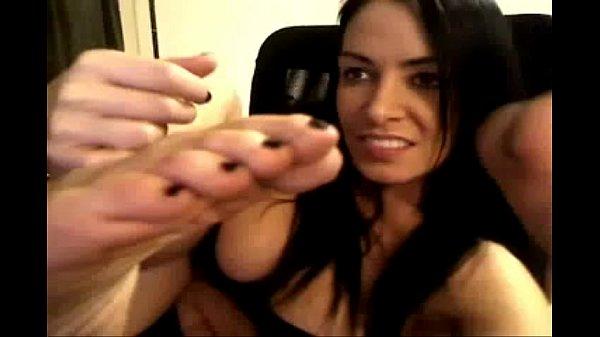 www.sexroulette24.com - Latina girl shows her feet on webcam toe suck