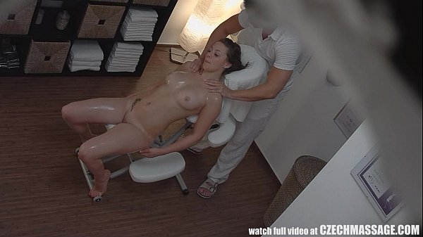 clip quay lén massage gái