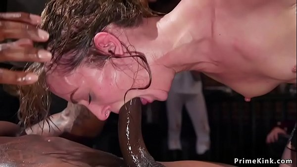סרטון פורנו Babes anal fuck bbc in bdsm party
