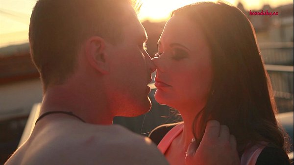Happy Porn Valentine - Sandy & Robert: Rooftop Romance / kozodirky.cz Thumb
